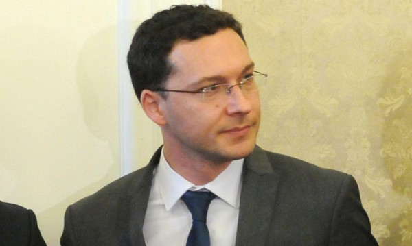 Митов потвърди: Задържаните българи в Судан са добре