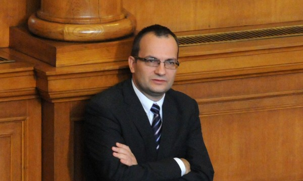Още управници под лупа за конфликт на интереси иска РБ