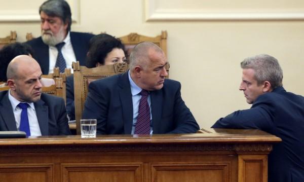 Борисов по-харесван от кабинета си