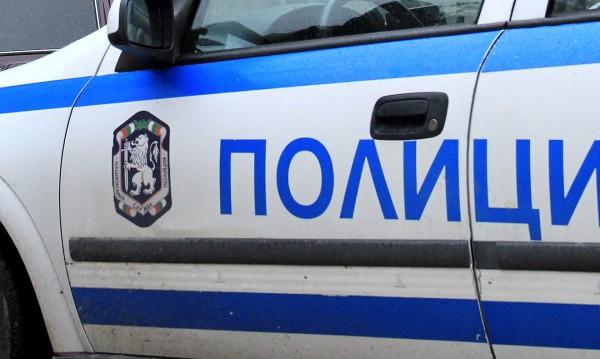Полицаи иззеха ценности от частен дом във Великотърновско