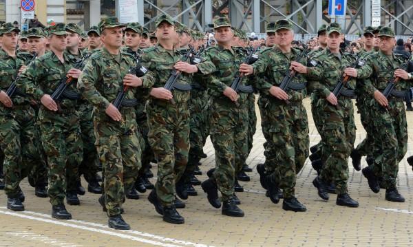 Проверяват колко мъже може да мобилизира армията при нужда