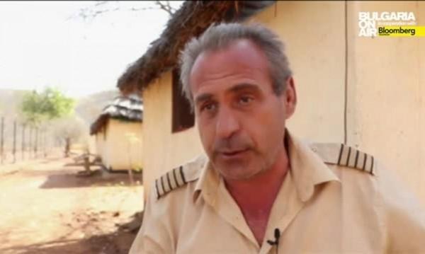 Задържаните българи в Судан не знаели, че летят над военна зона