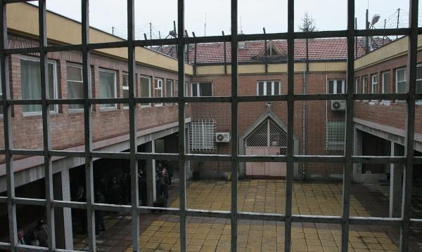 Осъдиха на 3 г. и половина затвор подкупен полицай
