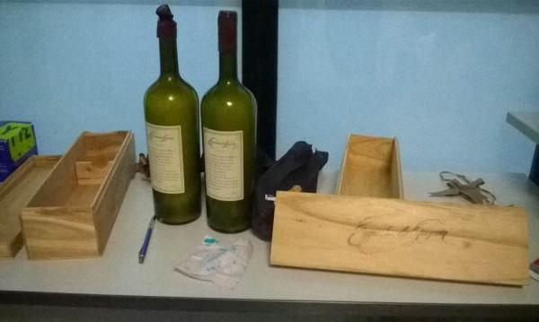 Хванаха 2,5 кг кокаин във винени бутилки