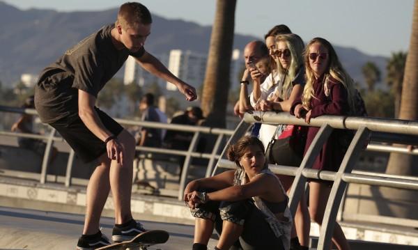 Търсачи ще издирват безработни младежи в паркове и заведения
