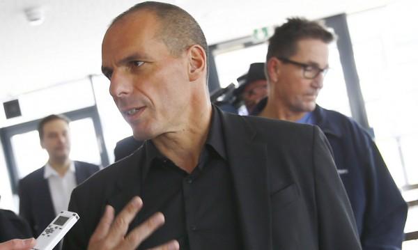 Атина няма да иска финансова помощ от Москва