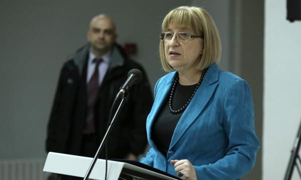 Цачева свиква извънредно заседание на НС във вторник