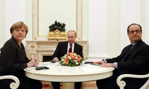 Путин, Оланд и Меркел обсъждаха над 5 часа мира в Украйна