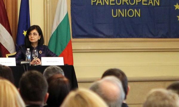 Контрапродуктивно е Шенген да се ползва за натиск за реформи!
