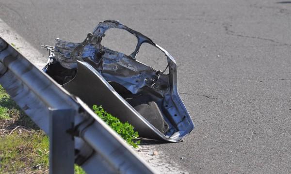 Един човек загина, а 15 са ранени в катастрофи през денонощието