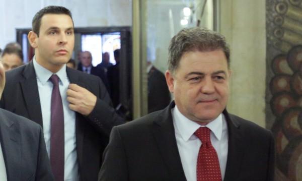 Няма опасност за националната сигурност, уверява Ненчев