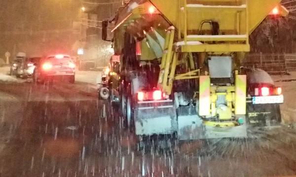 101 снегорина чистили София от снега през нощта