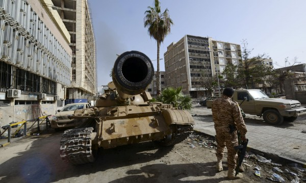 Ислямисти отвличат безразборно египтяни в Триполи