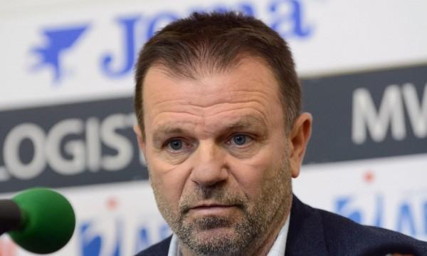 Стойчо Младенов изригна: Работим за никакви пари