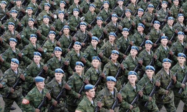 Руснаците убедени във външна военна заплаха