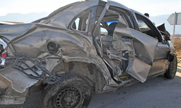 """Трима загинаха в тежка катастрофа на """"Тракия"""""""