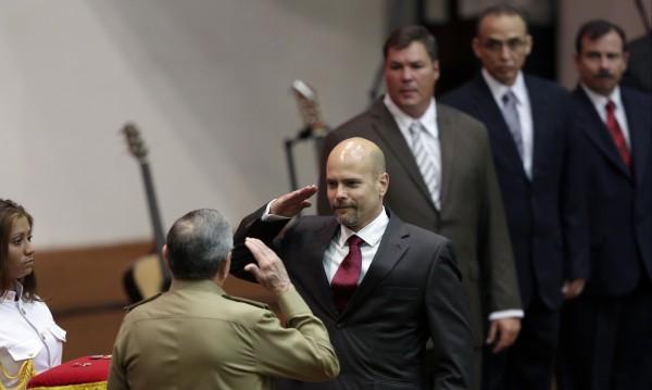 Куба връчи медали на шпиони, освободени от американски затвори