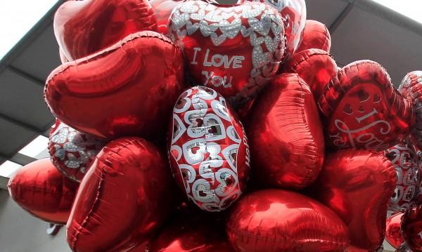 Полицаи в Швеция свалиха балони заради съмнения за екстремизъм