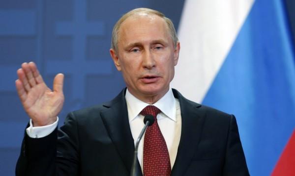 Путин реже заплатите в администрацията си с 1/10