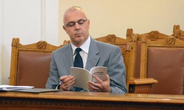 МВР шефът хвърли оставка, Борисов я прие!