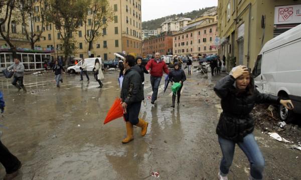 Двама души загинаха в Италия заради лошото време
