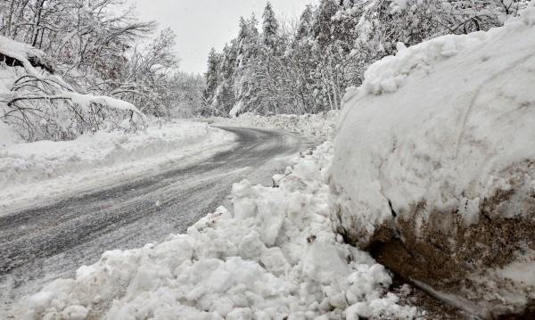 """Спасиха децата, блокирани от снега в хижа """"Мальовица"""""""