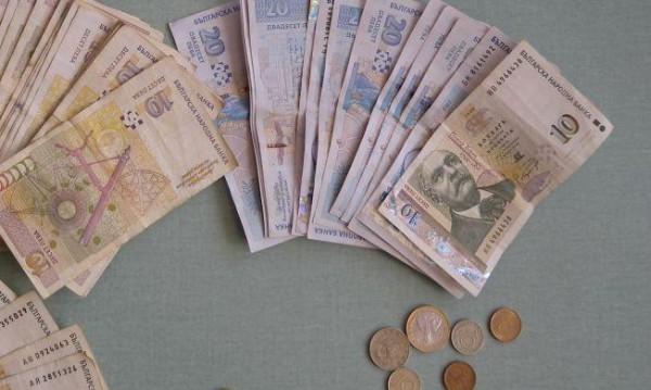 Ало измамници прибраха 1900 евро и 3200 лв. от две варненки