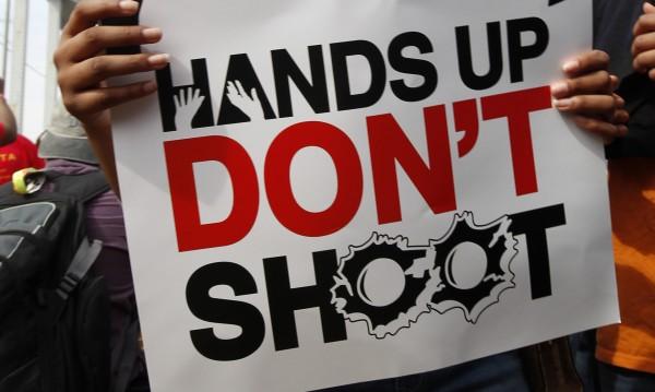 Полицай застреля гол и невъоръжен чернокож в САЩ