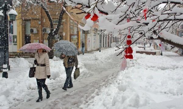 Пети ден хиляди българи са в снежния капан