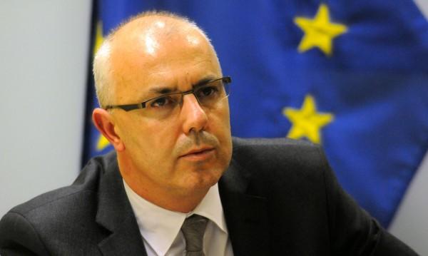 Без изненада: Вучков подаде оставка и като депутат