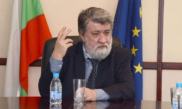 Вежди Рашидов се дърпа, не ще да е академик