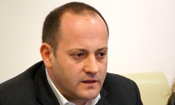 ДСБ ще работят за изолиране на ДПС и БСП от местната власт