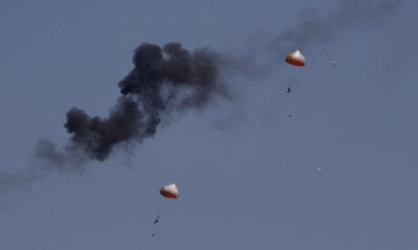 В Малайзия се сблъскаха 2 самолета по въздушна акробатика