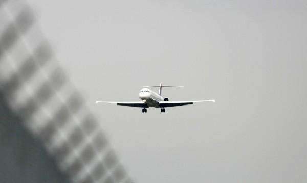 """Пътник, крещящ """"джихад"""", върна самолет от Вашингтон за Денвър"""