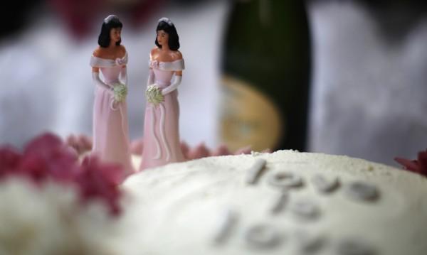 Оклахома иска забрана на браковете между атеисти