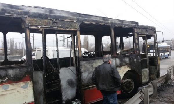 Тролей овъглен във Варна, сутринта минал преглед