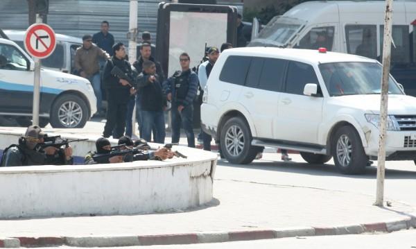 19 души, от тях 17 чужди туристи, са убити при атаката в Тунис