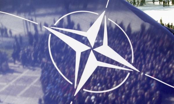 НС пусна наши военни в центъра на НАТО тук