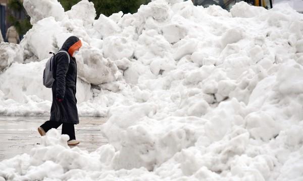 Герои носили хора на ръце по 2-3 км в снежната блокада