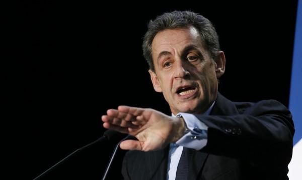 Саркози се завръща победоносно във Франция