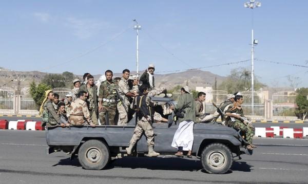 Бунтовници в Йемен контролират град Аден