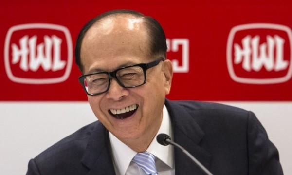 Китайски милиардер залага, че британците ще ползват основно мобилни услуги