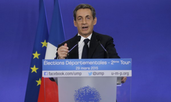 Голяма победа на дясната опозиция във Франция на местните избори