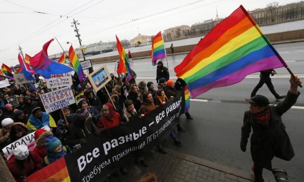 Расте нетърпимостта към хомосексуалистите в Русия