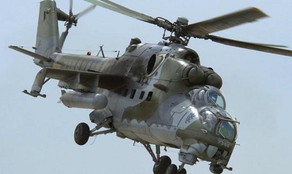 """Щурмови хеликоптер Ми-24 """"долита"""" в Музея на бойната слава"""