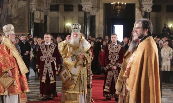 Патриарх Неофит: Само вярата ни дава сили за изпитанията