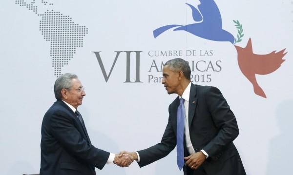 Срещата Обама-Кастро засенчи атниамериканската риторика