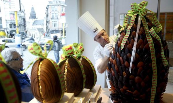 Сладка професия: Да тестваш шоколадови яйца за Великден