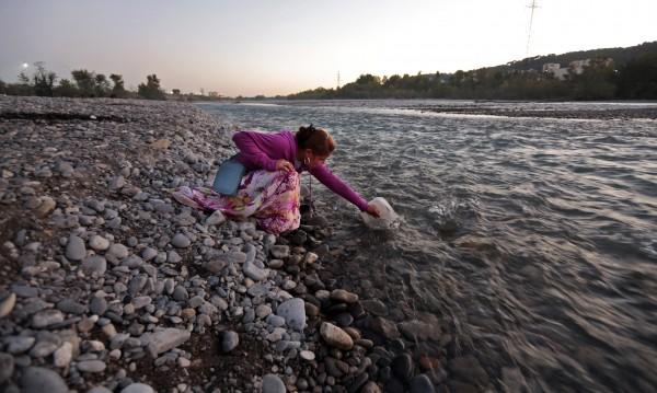 Пътници от френски град на бунт: Отделна спирка за ромите!