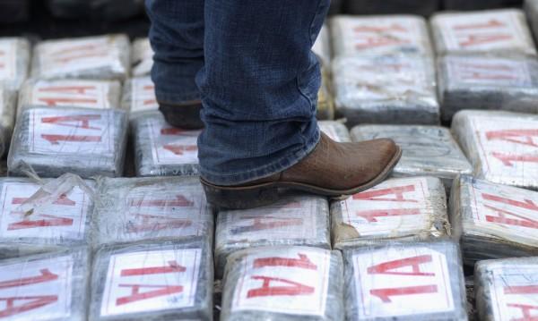 На Каймановите острови откриха кокаин, изхвърлен на брега